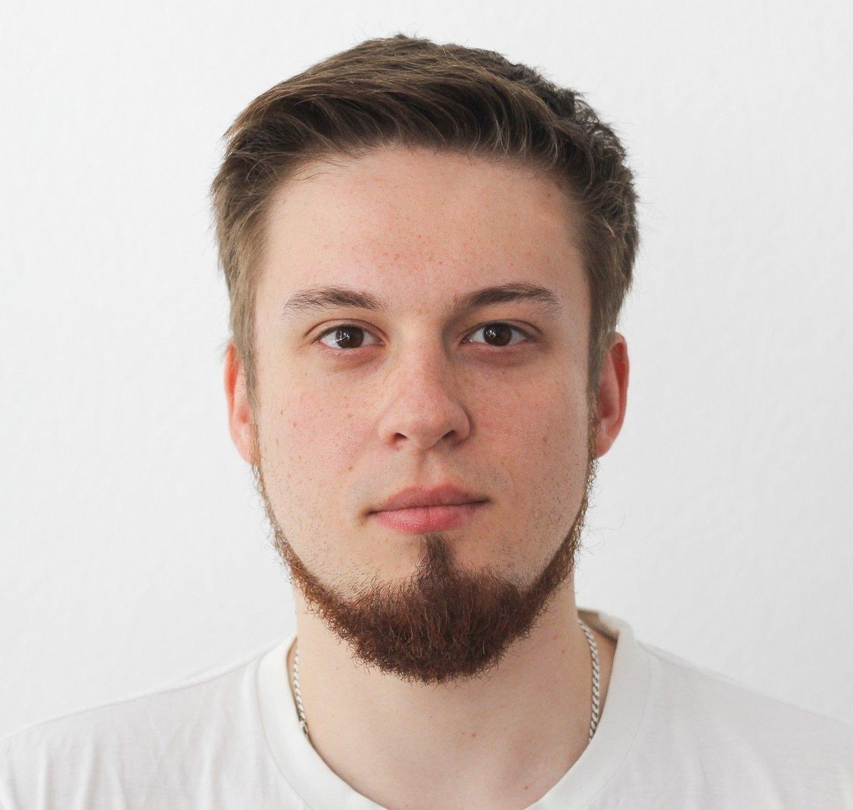 Dmytro Zvazhii
